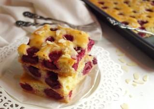 Joghurtos meggyes süti