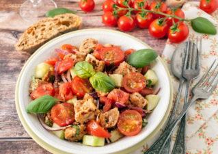Panzanella saláta