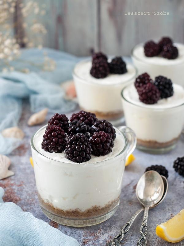Szedres joghurttorta pohárban