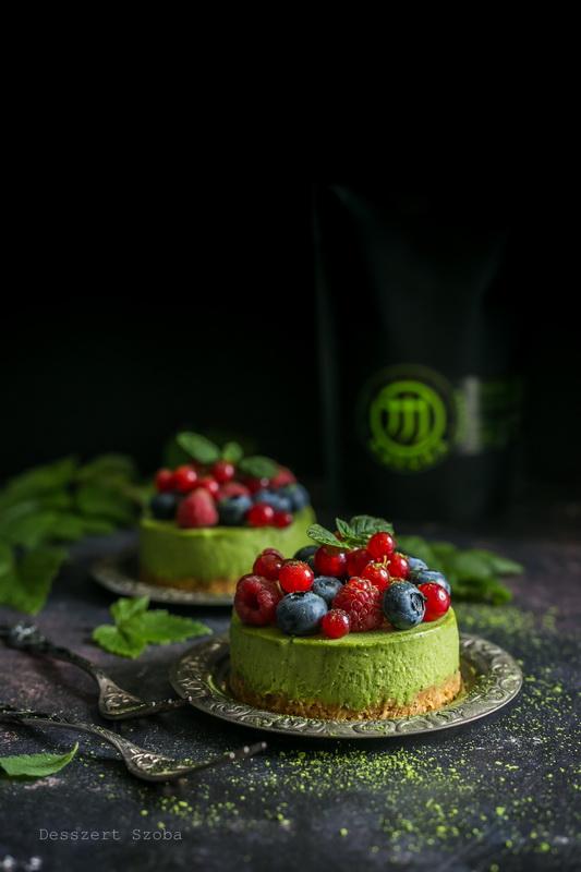 Matcha-fehércsokoládé mousse tortácska