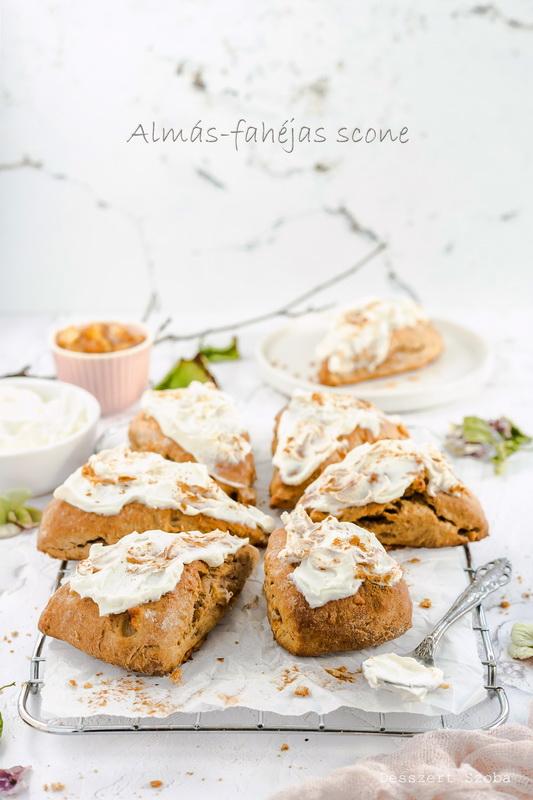 Almás-fahéjas scone