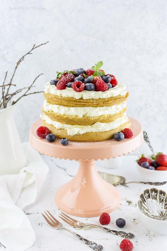 Mascarponés torta gyümölccsel
